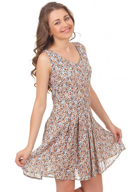 Платье в цветочек со складками на юбке Деловая женская одежда