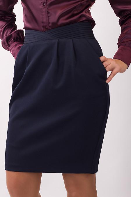 Фото Юбка темно-синяя с фигурным поясом Деловая женская одежда