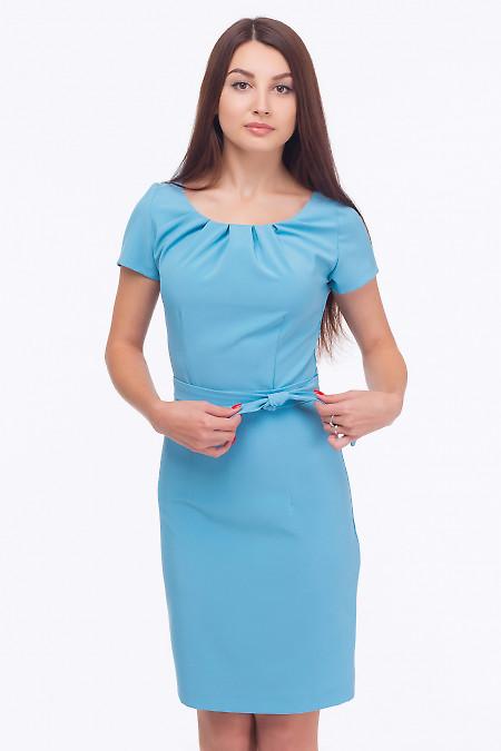 Платье голубое с защипами по горловине Деловая женская одежда