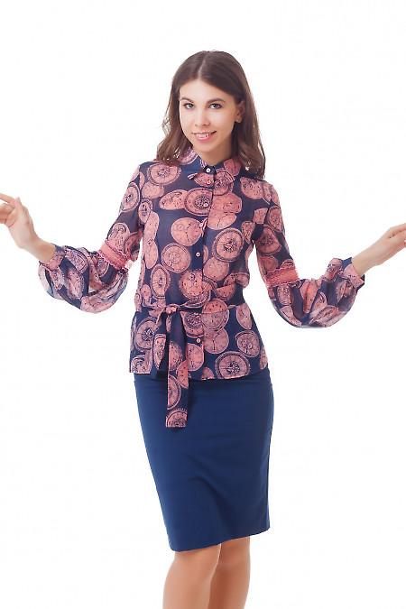 Блузка с розовым кружевом на рукаве Деловая женская одежда