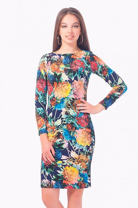 Платье трикотажное в крупные цветы Деловая женская одежда