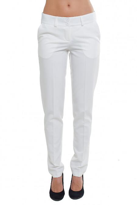 Брюки зауженные белые Деловая женская одежда фото