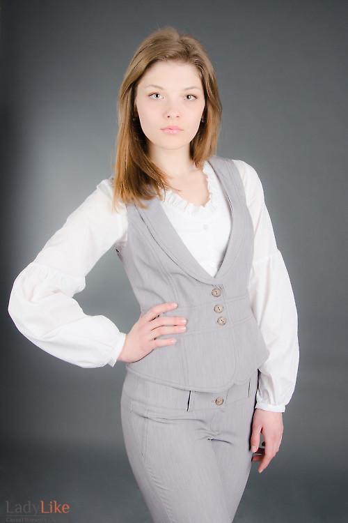 Жилет стильный серый Деловая женская одежда