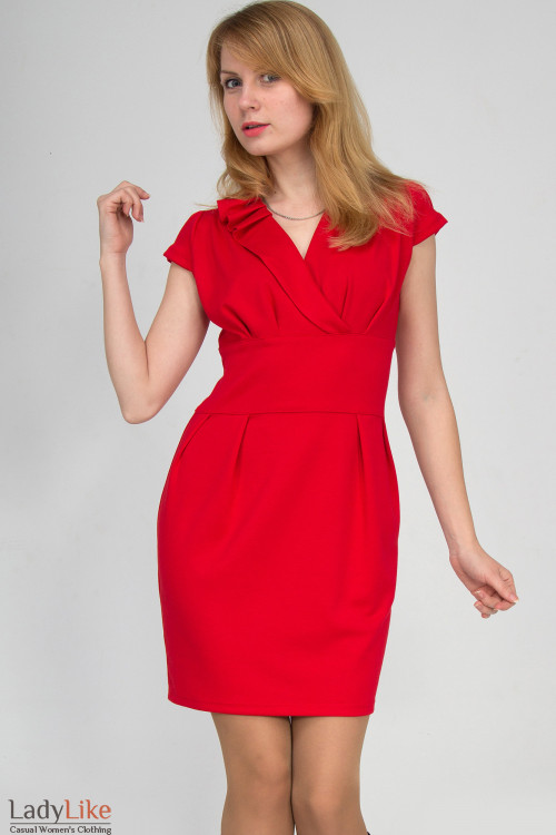 Фото Платье красное со складочками на воротнике Деловая женская одежда