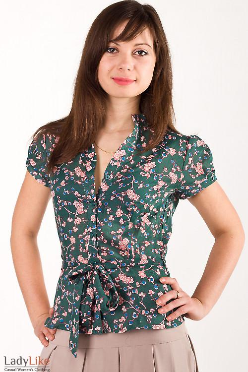 Фото Блузка в мелкие цветы зеленая Деловая женская одежда