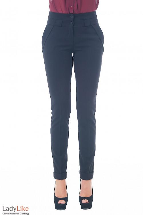 Купить брюки черные с клапанами на карманах Деловая женская одежда