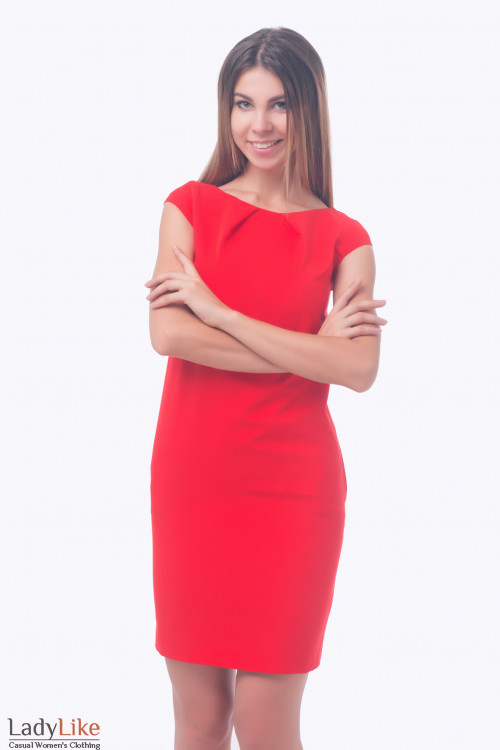 Фото Платье красное с защипами по горловине. Деловая женская одежда
