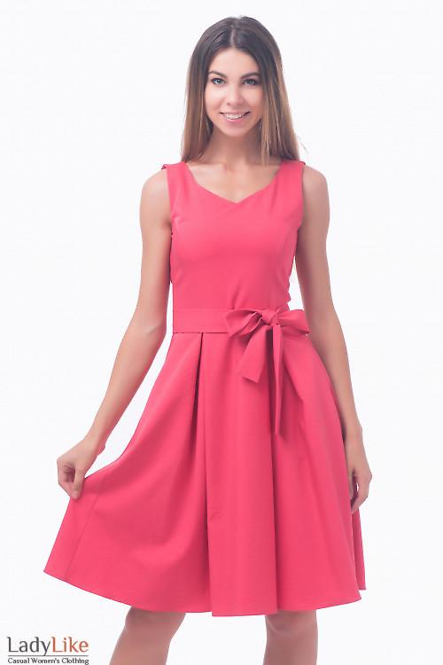 Фото Платье с пышной юбкой коралловое Деловая женская одежда