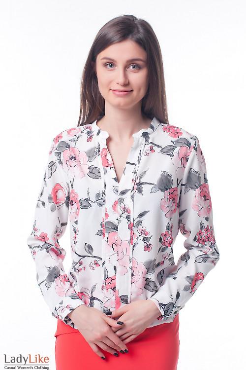 Блузка в коралловые цветы с резинкой сбоку Деловая женская одежда фото