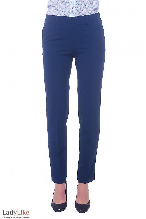Брюки синие с широким поясом и застежкой сбоку Деловая женская одежда