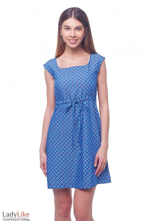 Платье летнее в бело-голубой узор Деловая женская одежда