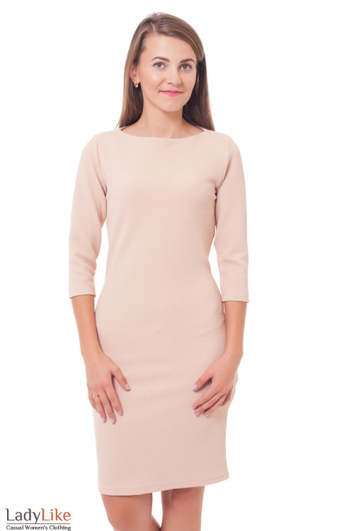Платье трикотажное бежевое Деловая женская одежда фото