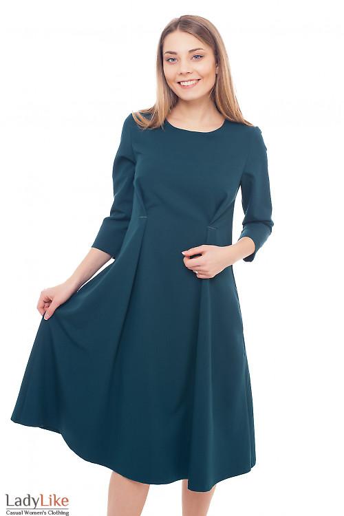 Платье зеленое с защипами на талии Деловая женская одежда фото