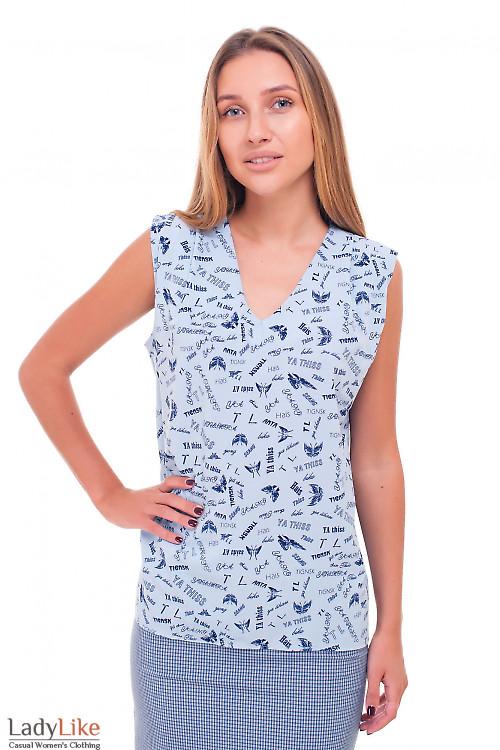 Блузка голубая в синие буквы еловая женская одежда фото