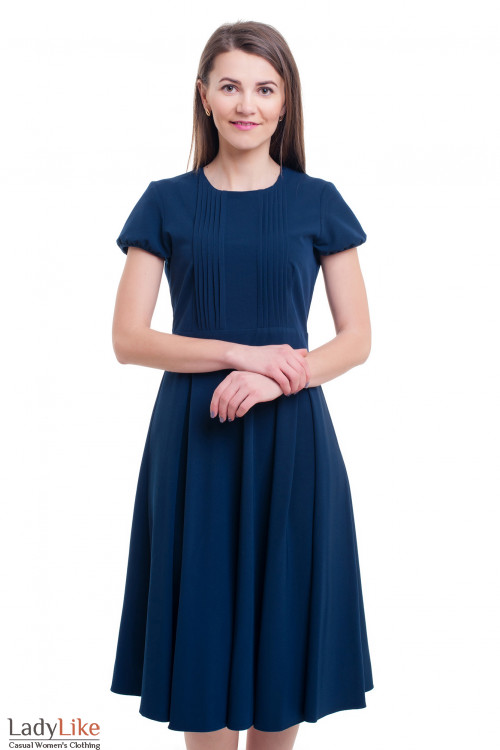 Платье синее со складочками на груди Деловая женская одежда фото