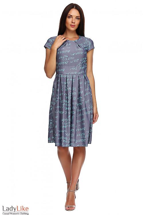 Платье джинсовое с защипами. Деловая женская одежда фото