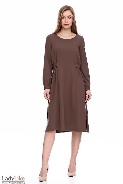 Платье кофейное из вискозы. Деловая женская одежда фото