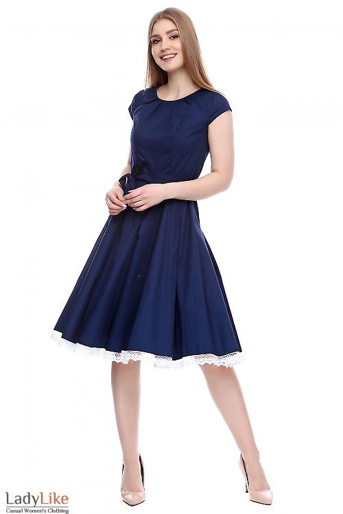 Платье синее с кружевом Деловая женская одежда фото