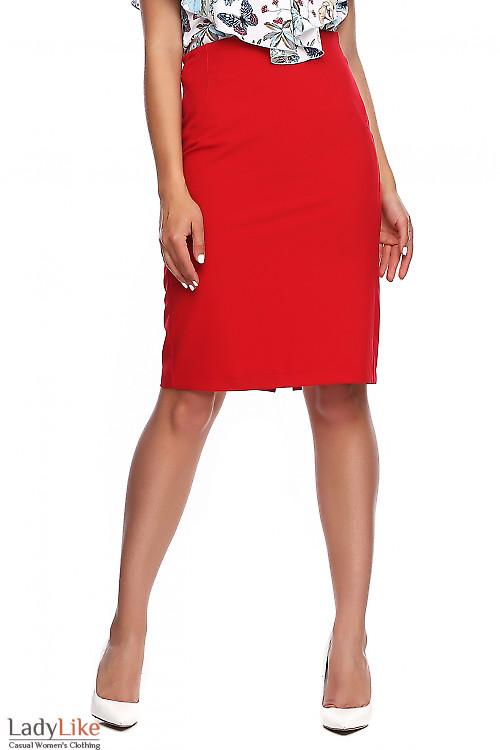 Юбка красная без пояса. Деловая женская одежда фото