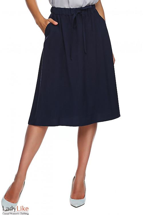 Юбка синяя на резинке. Деловая женская одежда фото