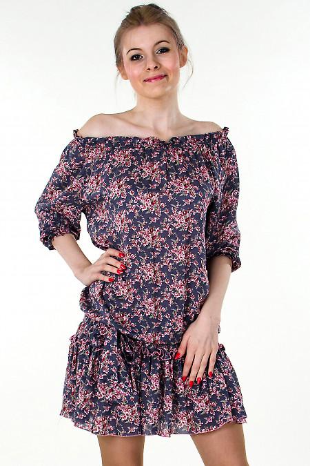 Фото Платье серое с открытыми плечами Деловая женская одежда