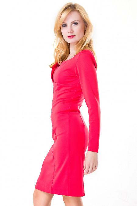 Фото Платье с фигурным вырезом коралловое Деловая женская одежда