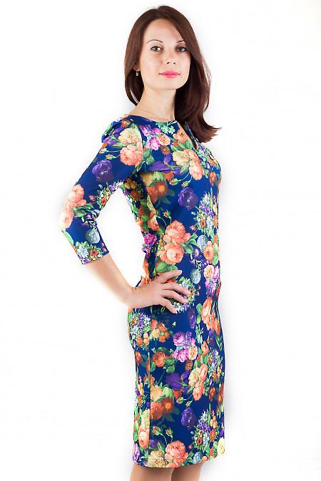 Фото Платье с фигурным вырезом Деловая женская одежда