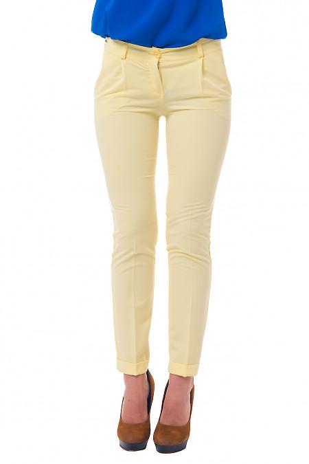 Женские желтые брюки с манжетой Деловая женская одежда