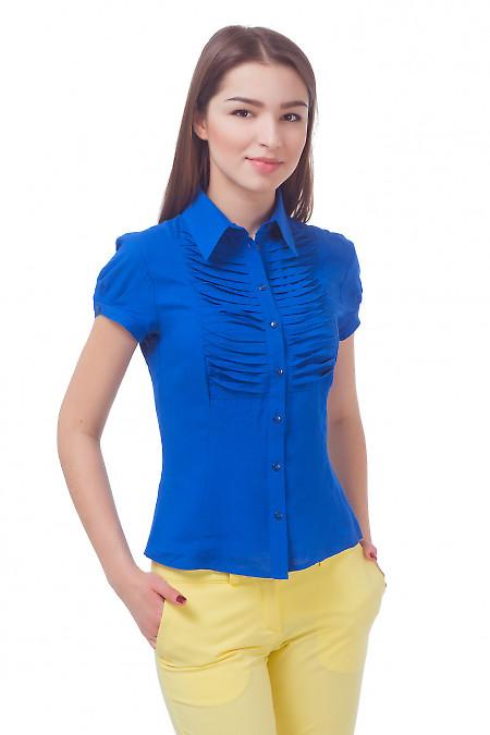 Блузка синяя с горизонтальными складочками Деловая женская одежда