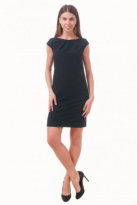 Фото Платье черное с защипами по горловине Деловая женская одежда