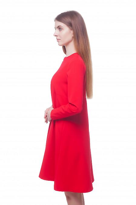 Платье красное с длинным рукавом и кокеткой на спине