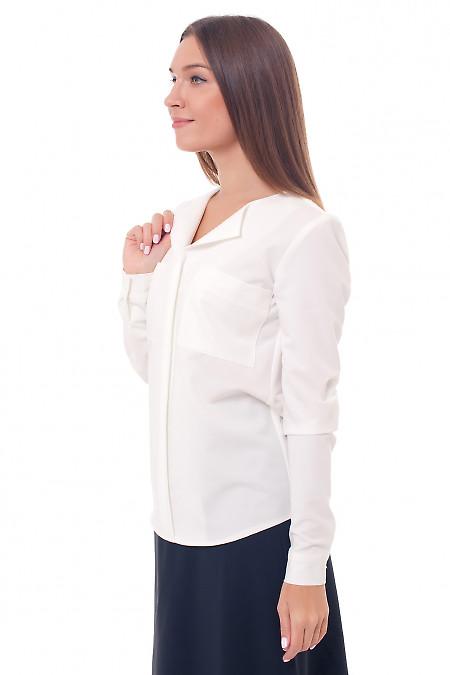 Купить молочную блузку с накладными карманами Деловая женская одежда фото