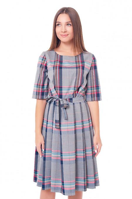 Платье серое с юбкой в складку Деловая женская одежда фото