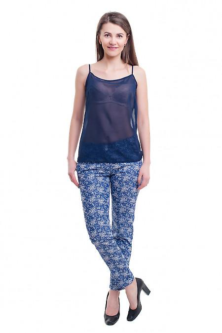 Купить джинсовые женские брюки в белый цветок Деловая женская одежда фото