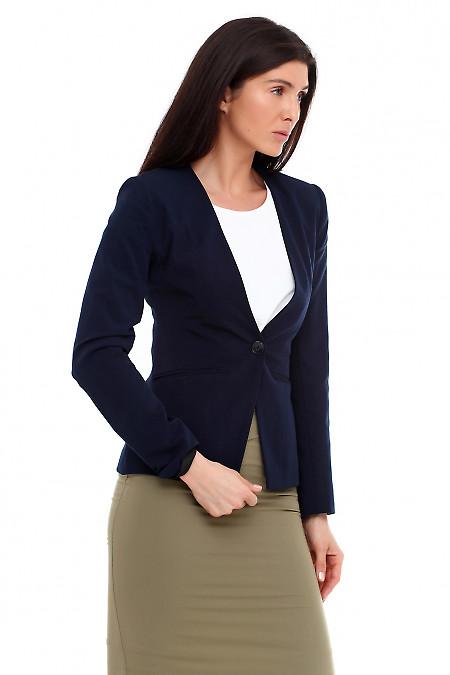 Купить жакет удлиненный синий без воротника. Деловая женская одежда фото
