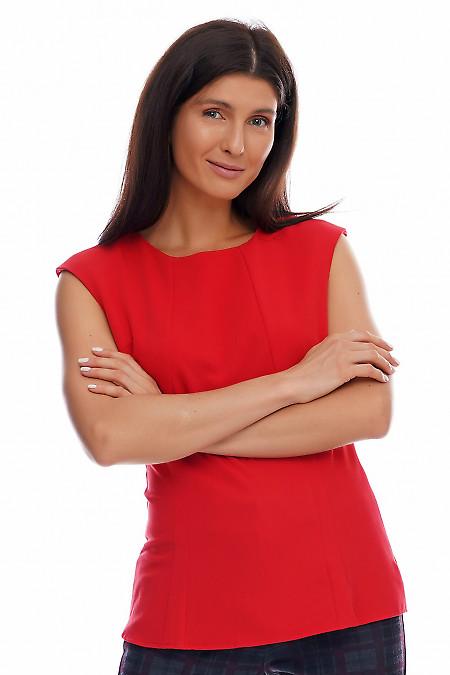 Блузка красная со спущенным плечом.  Деловая женская одежда фото