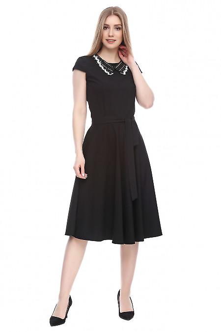 Платье черное с декоративным воротником Деловая женская одежда фото