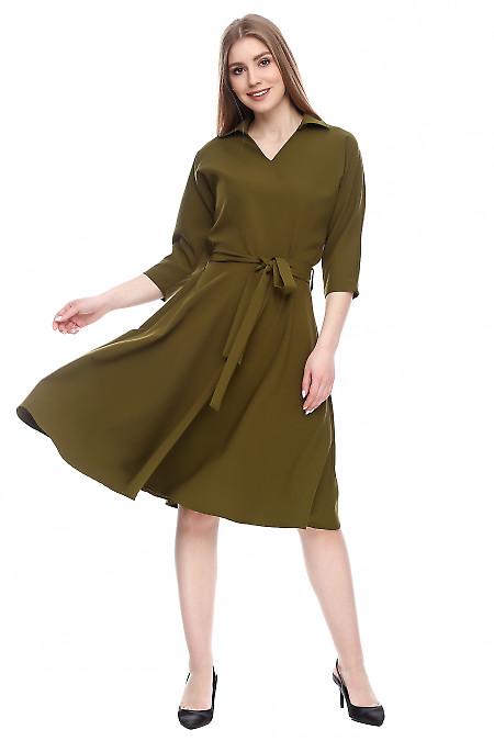 Платье оливкового цвета Деловая женская одежда фото