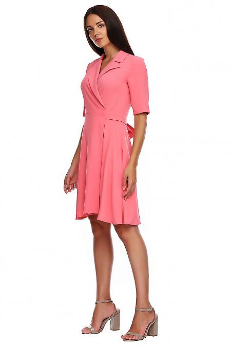Купить платье розовое на запах. Деловая женская одежда фото