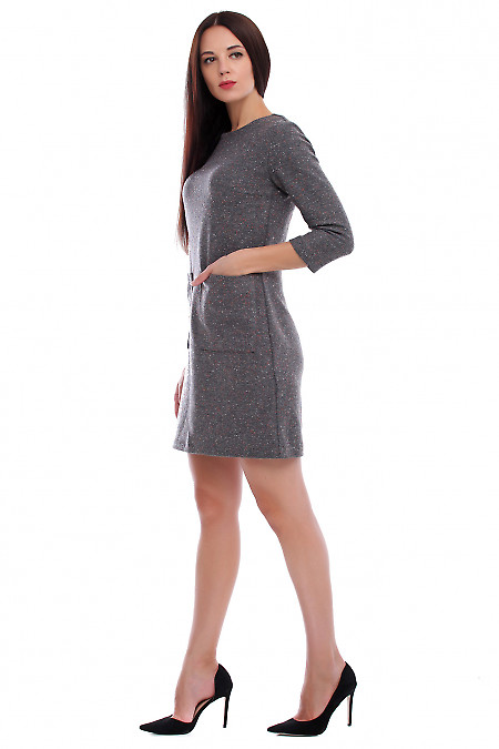 Купить платье серое тёплое в разноцветные точки. Деловая женская одежда фото