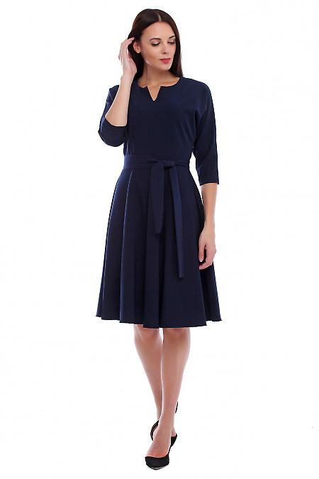 Платье синее с рукавом летучая мышь. Деловая женская одежда фото