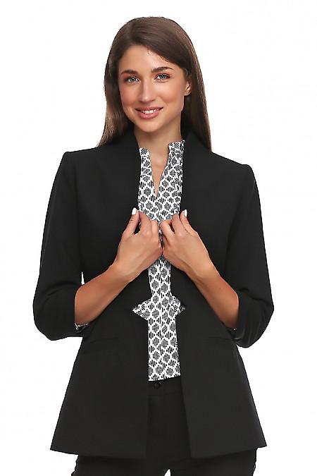 Жакет черный без застежки. Деловая женская одежда фото
