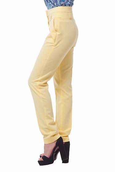 Купить желтые брюки с высокой талией Деловая женская одежда