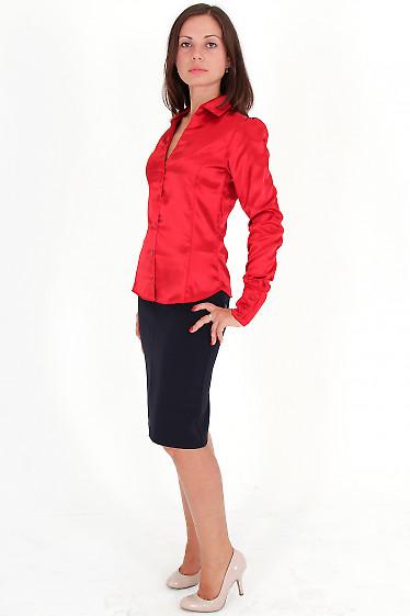 Фото Блузка красная из атласа вид сбоку Деловая женская одежда