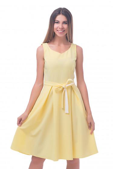 Фото Платье с пышной юбкой желтое Деловая женская одежда
