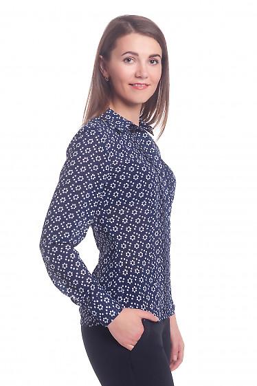 Купить блузку темно-синюю в ромашки с защипами Деловая женская одежда