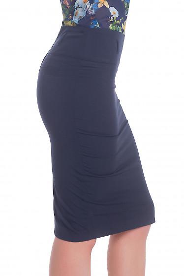 Купить синюю юбку-карандаш с косой шлицей Деловая женская одежда