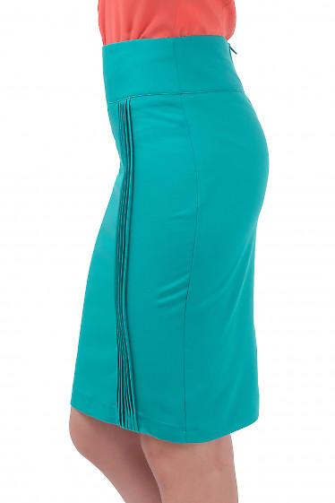 Купить юбку зеленую с вертикальными защипами Деловая женская одежда