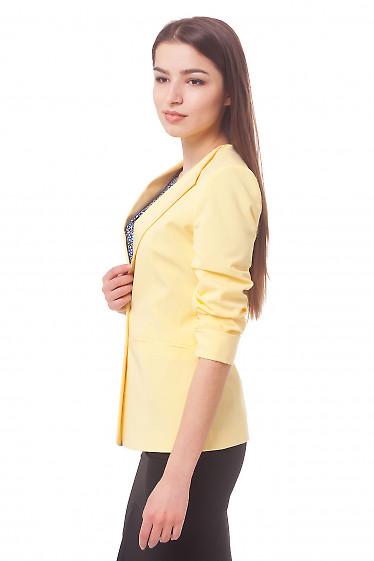 Купить жакет желтый со сборкой на рукаве Деловая женская одежда