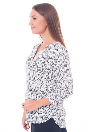 Купить блузку белую в мелкую синюю ромашку Деловая женская одежда фото